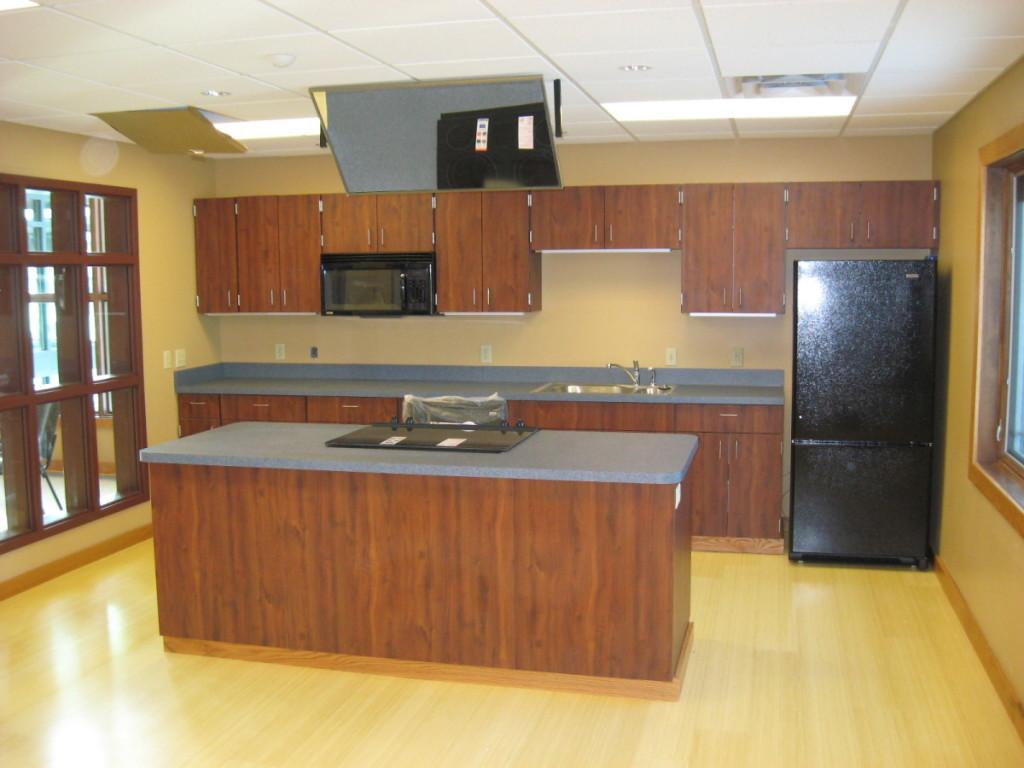 Pine Creek Health Ctr Kitchen